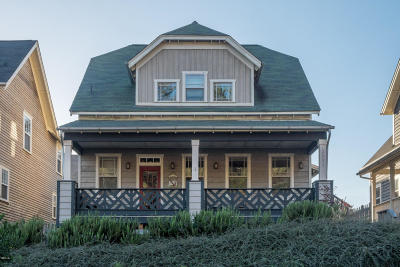 Lincoln City Single Family Home For Sale: 2591 SW Barnacle Ave