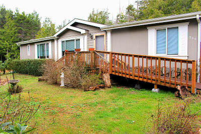 Mobile/Manufactured For Sale: 908 SW Fernwood Dr