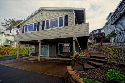 Lincoln City OR Single Family Home Closed: $276,500