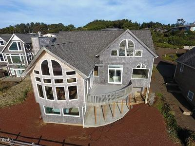 Depoe Bay Single Family Home For Sale: 4815 Lincoln Avenue