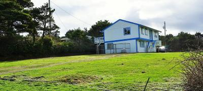 Seal Rock Single Family Home For Sale: 10093 NW Pacific Coast Hwy