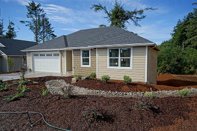 Lincoln City OR Single Family Home Closed: $324,500