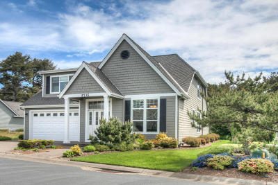 Newport Single Family Home For Sale: 5735 SW Arbor Dr