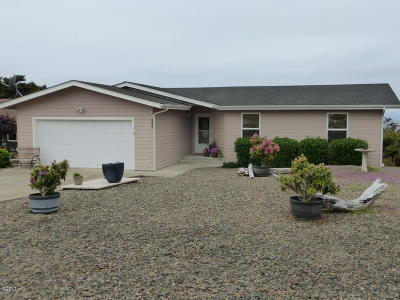 Waldport Single Family Home For Sale: 1906 NW Oceanview Dr