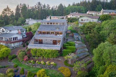 Newport Single Family Home For Sale: 134 SE 1st Pl.