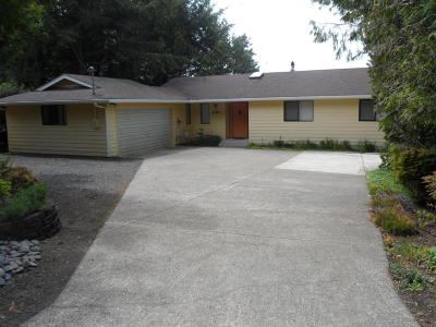 Waldport Single Family Home For Sale: 1980 S Crestline Dr