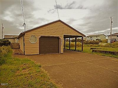 Waldport Single Family Home For Sale: 2013 NW Mackey St
