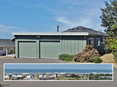 Waldport Single Family Home For Sale: 1705 NW Carter Ct