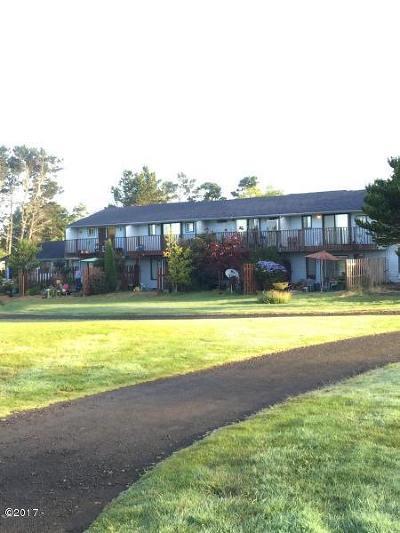 Waldport Multi Family Home For Sale: 125 SW Range Dr