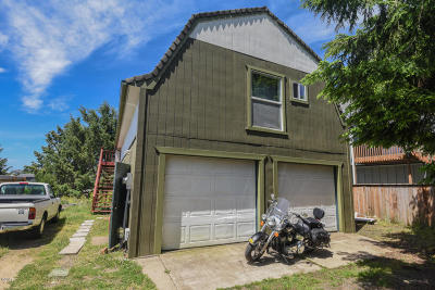 Depoe Bay Single Family Home For Sale: 225 Hazelton Pl