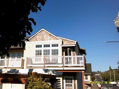 Newport Condo/Townhouse For Sale: 325 Coast Street #A