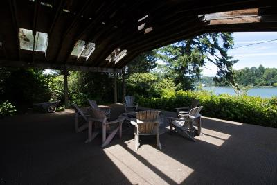 Newport Single Family Home For Sale: 5650 Yaquina Bay Rd