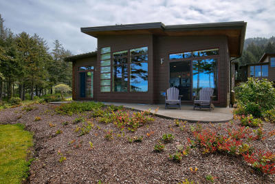 Yachats Single Family Home For Sale: 24 Catkin Loop