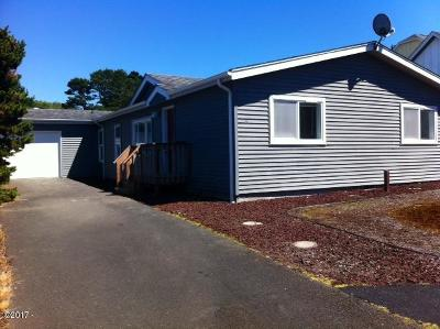 Depoe Bay, Gleneden Beach, Lincoln City, Newport, Otter Rock, Seal Rock, South Beach, Tidewater, Toledo, Waldport, Yachats Mobile/Manufactured For Sale: 2124 NW Keel Ave