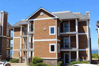 Newport Condo/Townhouse For Sale: 1125 NW Spring St. #B-102