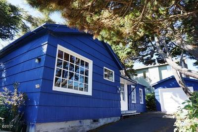 Lincoln City Single Family Home For Sale: 537 SW Ebb Ave
