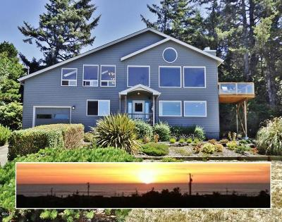 Waldport Single Family Home For Sale: 2601 NW Parker Ave