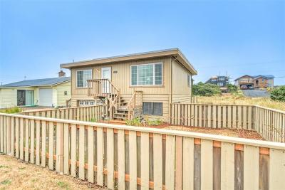 Waldport Single Family Home For Sale: 1202 NW Pacific Way