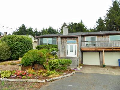 Waldport Single Family Home For Sale: 2017 NW View Ridge Drive