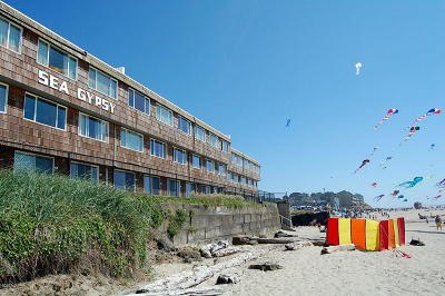 Depoe Bay, Gleneden Beach, Lincoln City, Newport, Otter Rock, Seal Rock, South Beach, Tidewater, Toledo, Waldport, Yachats Condo/Townhouse For Sale: 145 NW Inlet Ave #106
