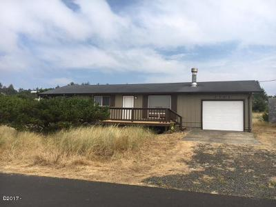 Waldport Single Family Home For Sale: 2701 NW Convoy Way