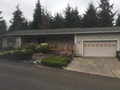 Waldport Single Family Home For Sale: 620 SE Ball Blvd