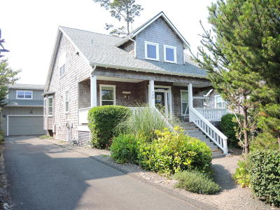 Depoe Bay Single Family Home For Sale: 120 Bella Beach Drive