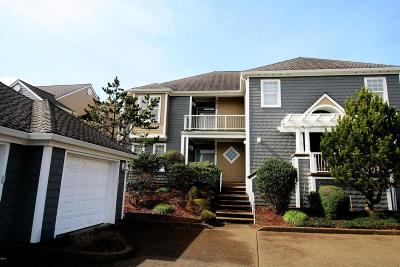 Newport Condo/Townhouse For Sale: 5924 SW Cupola Dr
