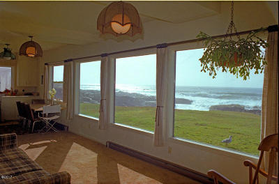 Depoe Bay, Gleneden Beach, Lincoln City, Newport, Otter Rock, Seal Rock, South Beach, Tidewater, Toledo, Waldport, Yachats Single Family Home For Sale: 885 Ocean View Dr