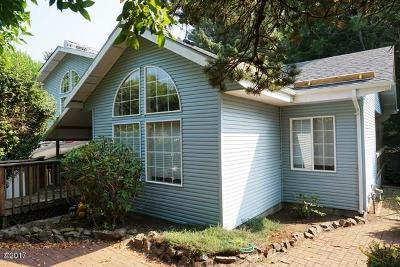 Lincoln City Single Family Home For Sale: 5338 NE Port Lane