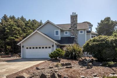 Depoe Bay Single Family Home For Sale: 450 SW Edgewater