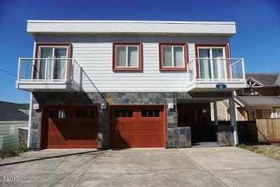 Lincoln City OR Single Family Home For Sale: $895,000
