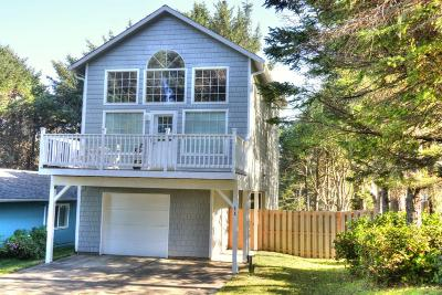 Yachats Single Family Home For Sale: 11 Surfside Dr