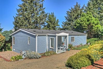 Depoe Bay, Gleneden Beach, Lincoln City, Newport, Otter Rock, Seal Rock, South Beach, Tidewater, Toledo, Waldport, Yachats Mobile/Manufactured For Sale: 71 Greenhill Dr