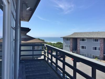 Lincoln City Condo/Townhouse For Sale: 4229 SW Beach Ave #38