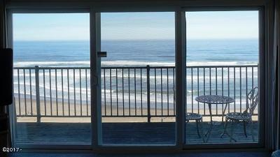 Lincoln City Condo/Townhouse For Sale: 4229 SW Beach Avenue #27