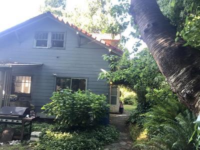 Toledo Single Family Home For Sale: 123 SE Beech St