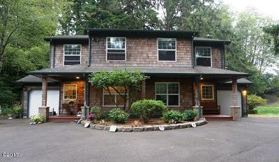 Lincoln City Single Family Home For Sale: 5410/5614 NE Zephyr Court