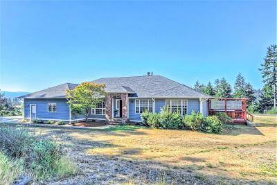 Waldport Single Family Home For Sale: 4616 S Beaver Creek Rd