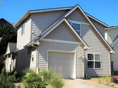 Pacific City Single Family Home For Sale: 5503 Four Sisters Ln