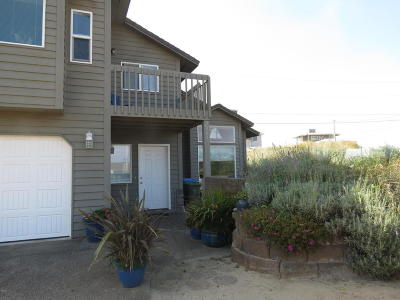Waldport Single Family Home For Sale: 2009 NW Bridgeview Drive