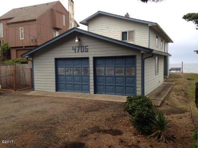 Lincoln City Single Family Home For Sale: 4705 SW Beach Ave.