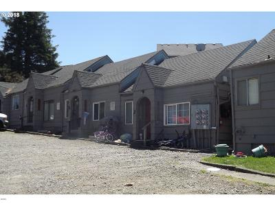 Lincoln City Multi Family Home For Sale: 2020 NE Hwy 101