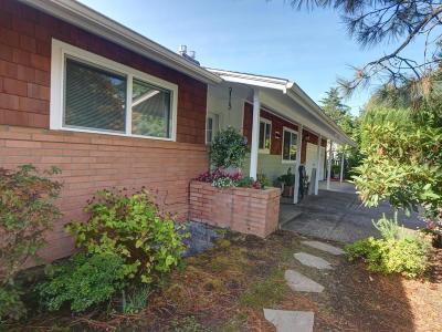 Newport Multi Family Home For Sale: 650 SE 3rd St
