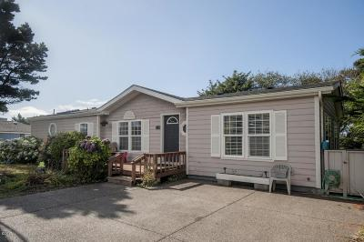 Depoe Bay, Gleneden Beach, Lincoln City, Newport, Otter Rock, Seal Rock, South Beach, Tidewater, Toledo, Waldport, Yachats Mobile/Manufactured For Sale: 3125 SW Beach Ave.
