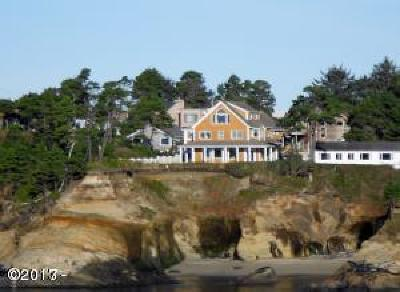 Depoe Bay Single Family Home For Sale: 94 NW Sunset St