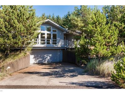 Pacific City Single Family Home For Sale: 33690 High Tide Drive