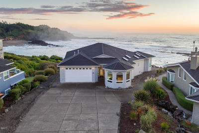 Depoe Bay Single Family Home For Sale: 116 Fishing Rock Dr.