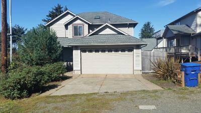 Lincoln City Single Family Home For Sale: 1747 NE 18th