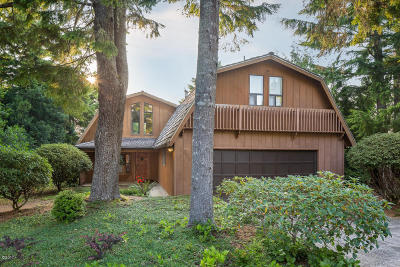 Lincoln City Single Family Home For Sale: 315 Sea Grove Loop